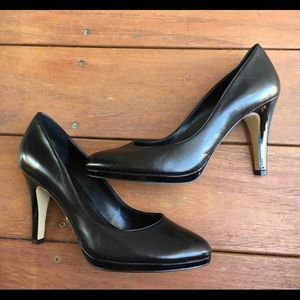 Franco Sarto Klaudia Black Leather Pumps